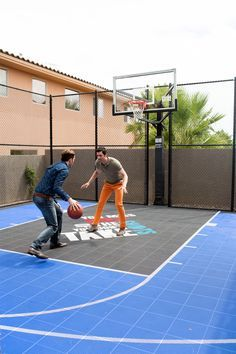 Playing some good old one-on-one! Who do you think is going to win?