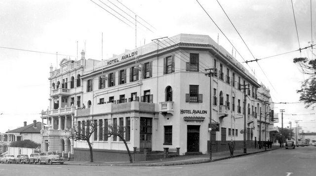 The Avalon Hotel, Gardens