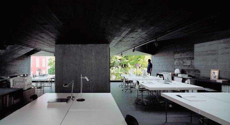 Valerio Olgiati - Dado, the architect's studio in Flims 2008. Scans from here, here, photos © Hisao Suzuki, archive Valerio Olgiati.