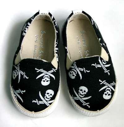Black Baby Clothes - Punk Rock & Goth Baby Fashion (GALLERY)
