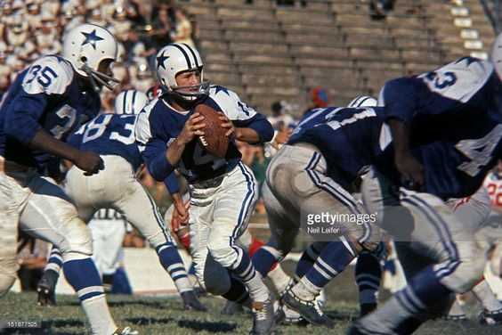 Eddie LeBaron (14), the very first Cowboy QB, drops back to pass at a sparsely attended Cotton Bowl in 1961. Some Cowboy fans nowadays actually like this original uniform, but I'm on board with Tex Schramm, who thought it looked amateurish. Schramm scrapped this uni and replaced it with the Metallic Silver Blue, Royal Blue and White uniform in 1964. Great move Tex!: