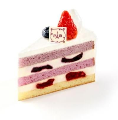 Paris Baguette berry layer cake