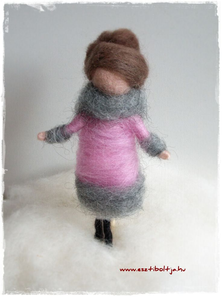 Needle felted pritty girl  www.facebook.hu/esztiboltja  www.st9400.meska.hu