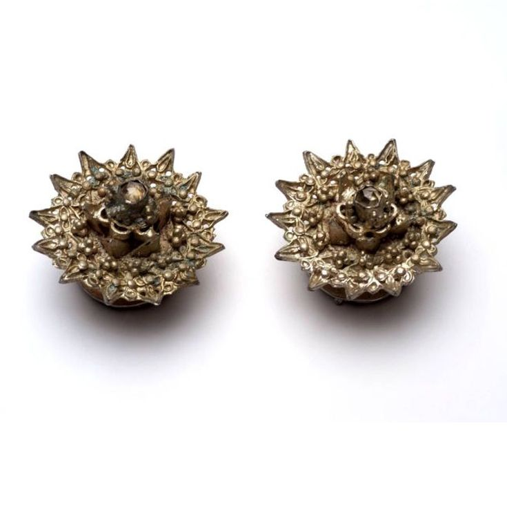 Indonesia ~ Sumatra, Aceh | Pair of young woman's earrings (Subang); gilt silver | ca. 1916 or earlier