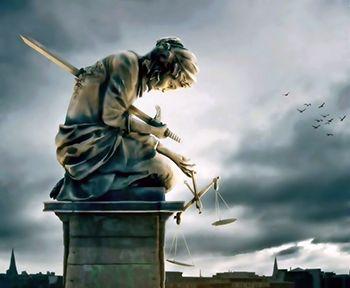 Náufrago da Utopia: A SUBMISSÃO DO JUDICIÁRIO AO DIREITO BURGUÊS E A IMPUNIDADE DOS EXTERMINADORES DO CARANDIRU