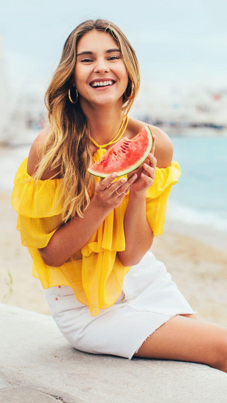 Follow model Stefanie Giesinger on a chic escape to her favourite Greek island — Mykonos! | H&M Spring/Summer