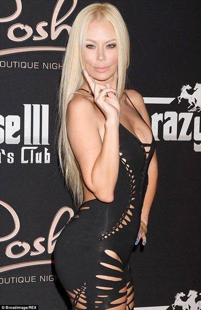 """Jenna Jameson i kthehet pornografisë """"për të ushqyer fëmijët"""" #puhiacom #lifestyle #VIP #celebrity"""