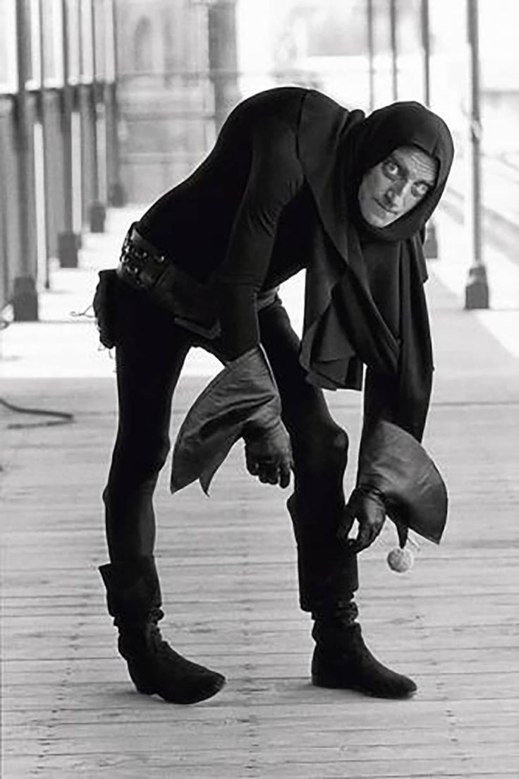 Terry O'Neill - Marty Feldman Cloak And Gloves