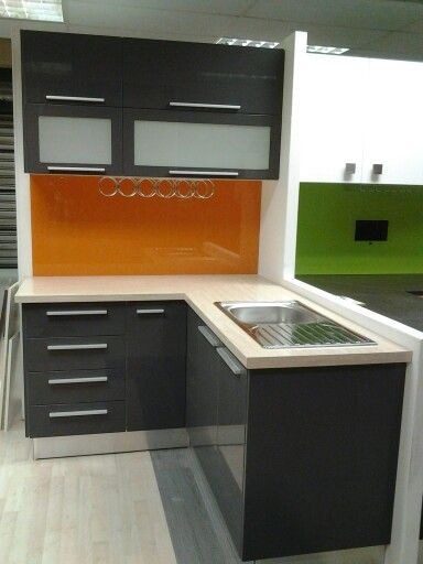 Graphite high gloss,  www.obsidointeriors.co.za. showroom