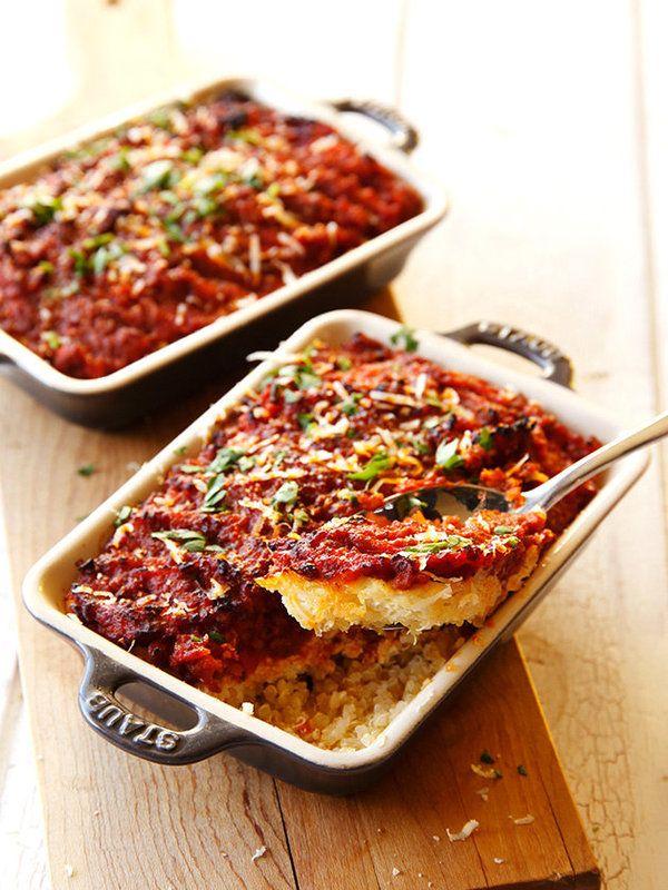 あのヘルシー食材で、ベシャメルソースもどきを作れちゃう!? パスタのかわりにキヌアを使って、ギルトフリーなレシピが完成。 >このレシピを見る!