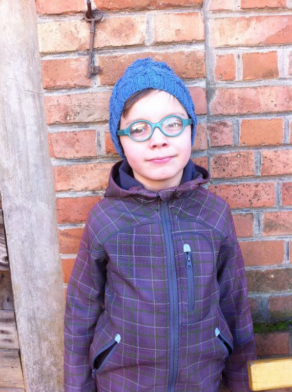 Knitting pattern Boy Hat Cap with Seeds and cables / by Mursulla