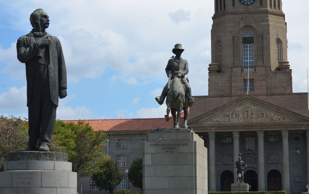 Marthinus and Andries Pretorius            Prominent statues in Pretoria | Pretoria