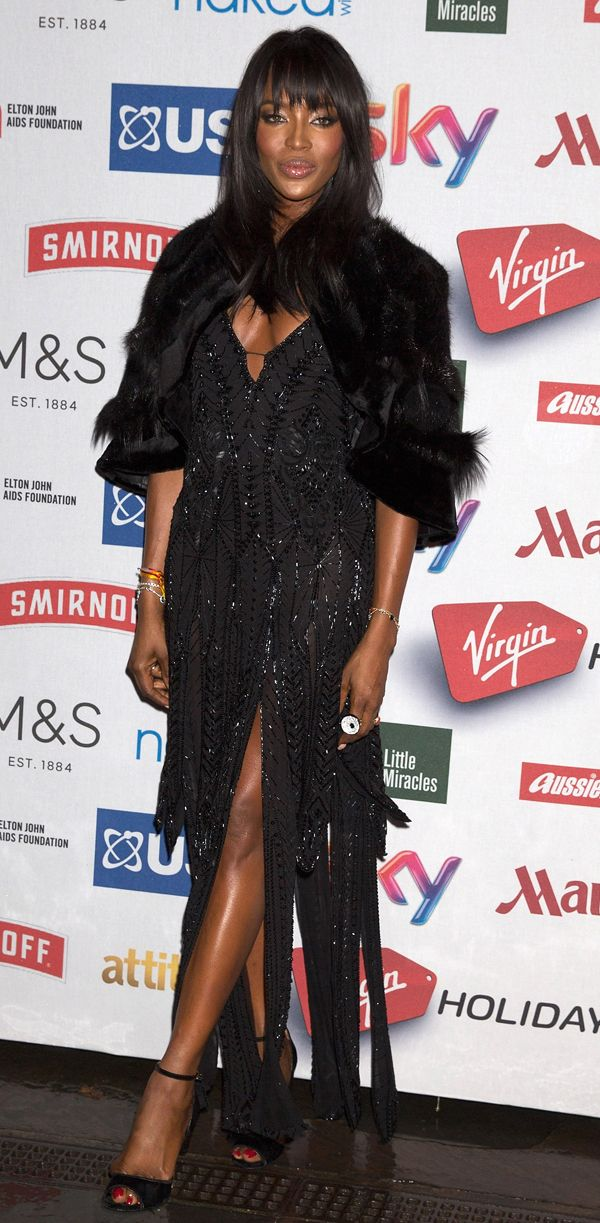 Per Naomi Campbell un look Gothic Glam di Roberto Cavalli a Londra. Giochi di strass, luci e pailettes per un effetto Romantic Gothic da urlo.http://www.sfilate.it/235237/naomi-strega-londra-per-venere-nera-look-gothic-glam-roberto-cavalli