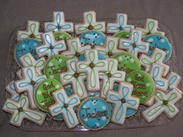 I like the different styles of cookies instead of just crosses