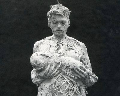 (♥) Nicola Hicks sculpture 'Pandora' cropped.