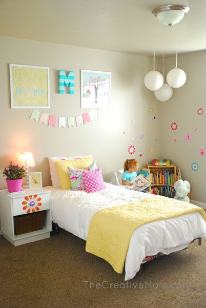 Whimsical Girl's Bedroom www.thecreativemom.com