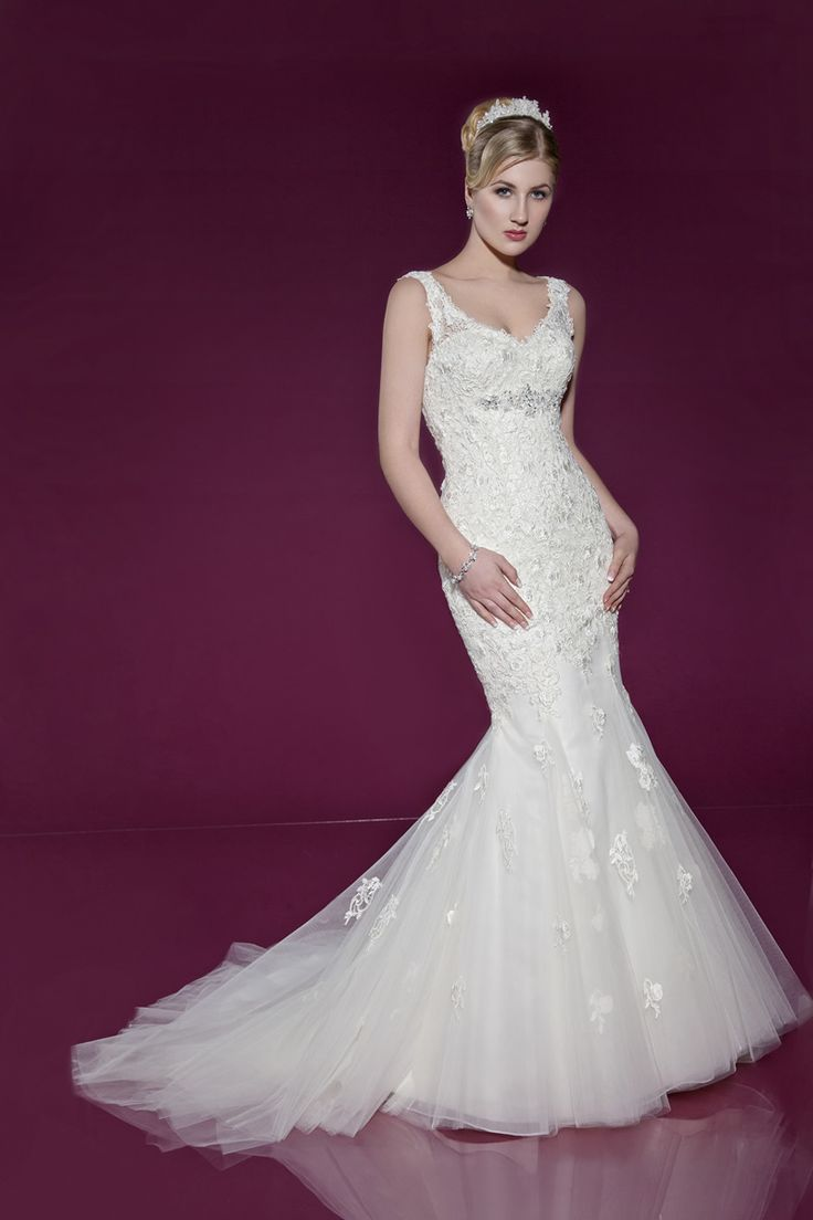 Beautiful wedding dress by Benjamin Roberts available at Wedding Belles of Otley