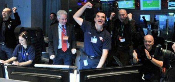"""""""Rosetta"""" despierta y manda su primera señal desde el espacio profundo"""