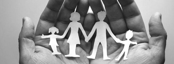 Il Sostegno Psicologico Familiare è un'esperienza orientata a favorire nuove possibilità e strategie di soluzione dei problemi attraverso la ricerca di nuove forme di comunicazione e collaborazione tra i componenti della famiglia. Questo percorso di ricerca e cambiamento, oltre a permettere l'espressione delle proprie esigenze personali, contribuisce alla rinegoziazione di regole più funzionali al momento di vita o alla fase di transizione che la famiglia sta passando.