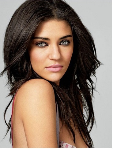 i love jessica szohr hair and makeup!