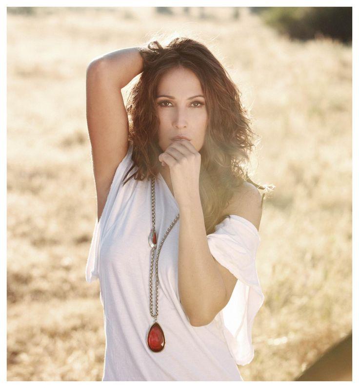 pero qué sabe la gente lo que siento cuando callan - Ahora Tu!! Malu http://www.costasonline.com/