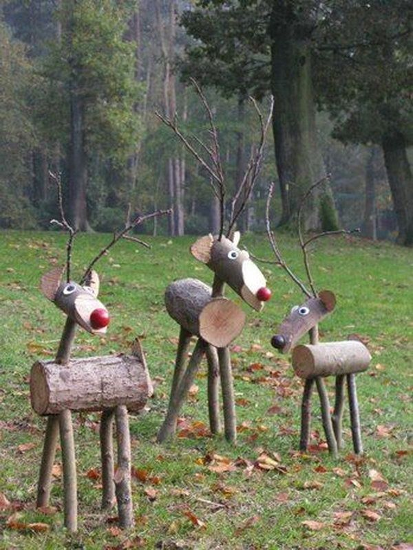 These rustic reindeers are made from wood and sticks. Cool Reindeer Crafts for Christmas, http://hative.com/cool-reindeer-crafts-for-christmas/,