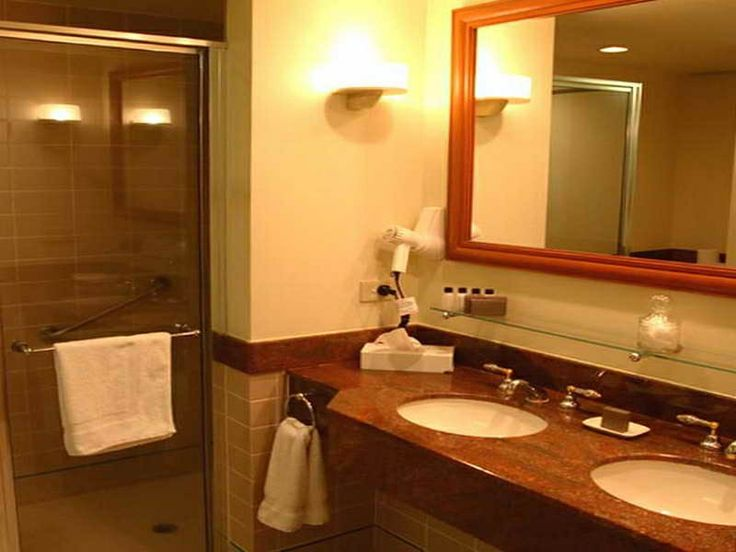 http://www.inmagz.com/1374-1421-bathroom-decorations-with-white-towelon bathroom interior