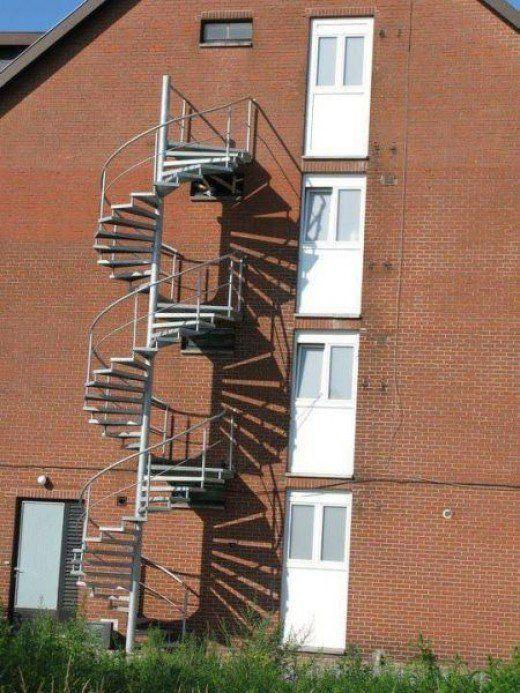 una hermosa escalera de caracol tales ido a la basura!  ¡Fallo épico!  ¡Tenías un trabajo!