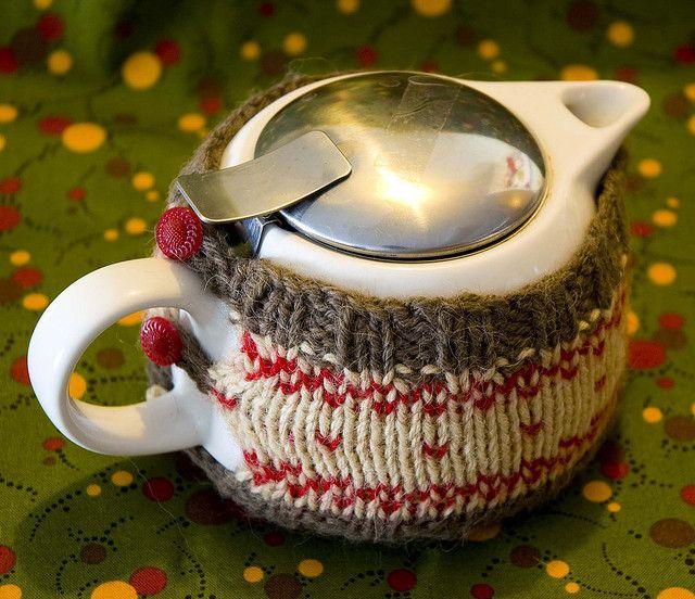 Ravelry: Knit Tea Cozy pattern by Kristin Roach. Free pattern.