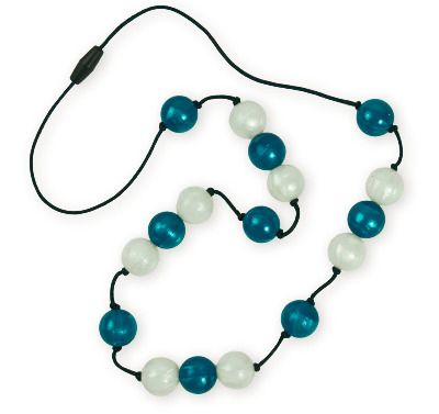 Stunning! Vibrant teal and white beads...go on.. you know you want to!  And why not match it with the halo bangle?