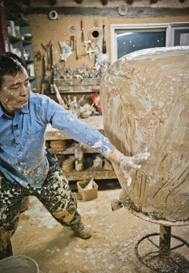 A Beautiful Life – Short Film on South Korean Ceramic Artist Lee Kang-Hyo. Watch on OEN here - http://the189.com/ceramics/a-beautiful-life-short-film-on-south-korean-ceramic-artist-lee-kang-hyo #handmade #craft#film #video #potter #pottery: