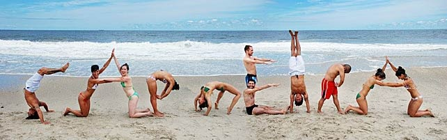 This is what happens when a bunch of capoeiristas go to the beach.... :-)