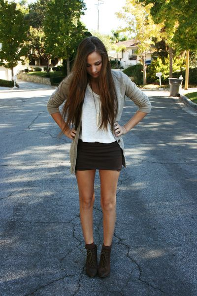 Mer enn 25 bra ideer om Tight black skirts på Pinterest
