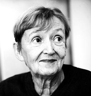 Erziehungs ABC von Christine Nöstlinger! Bedingungslos hat Elternliebe zu sein. Ein Kind muss sich ihrer gewiss sein, ganz egal, wie es sich benimmt.