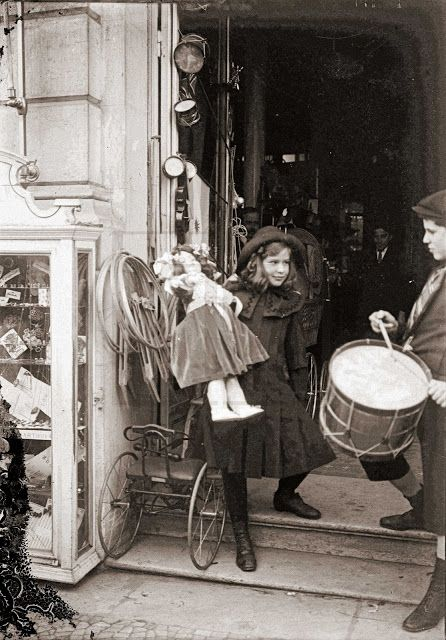 Loja de Brinquedos Kermesse de Paris - Rua 1º de Dezembro (Ed. Hotel Avenida Palace) - 1912