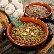 Arabische linzenstoof met pompoen