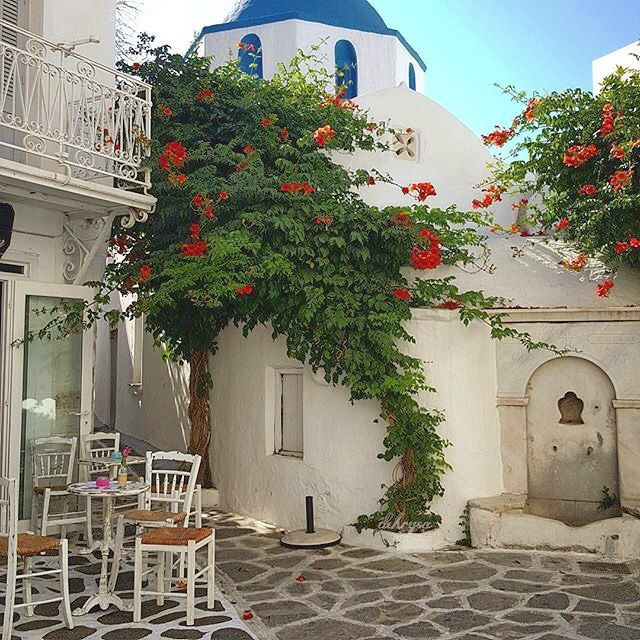 Very Lovely Cycladic place , at Paros island (Πάρος)❤️. Beautiful combination of a church , a bar and the nature !