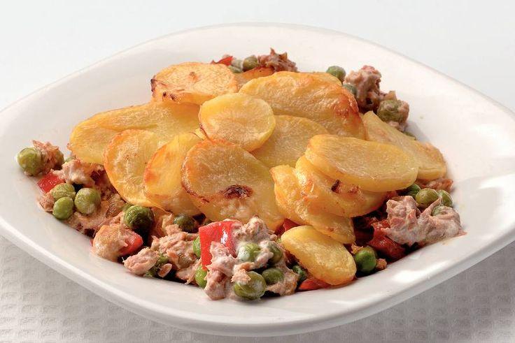 Met een toevoeging van champignons smaakt hij verrukkelijk! Gebruikt: 2 zoete puntpaprika's (in kleine reepjes), 7 a 8 champignons, pakje Soja Cuisine (met peper, zout, en cajun + 2 teentjes knoflook) tuinerwten uit de diepvries, 1 middelgrote witte ui,  aardappelschijfjes bovenop☺️