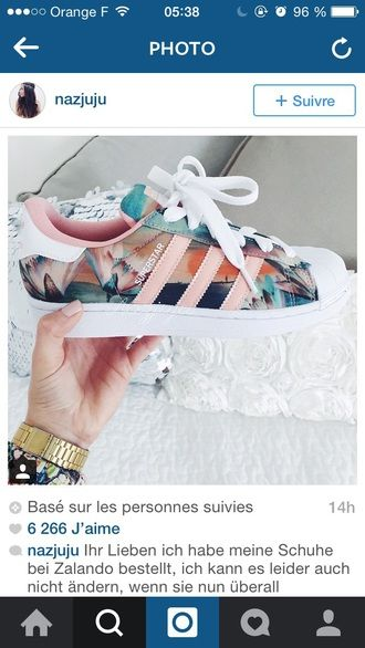 shoes shorts adidas floral flowered shoes sport shoes sportswear adidas superstars sneakers colorful cute white style fashion low top sneakers superstar flowers pink girls sneakers adidas shoes addias shoes pastel pink adidas superstars tumblr blue floral shoes custom shoes floral sneakers