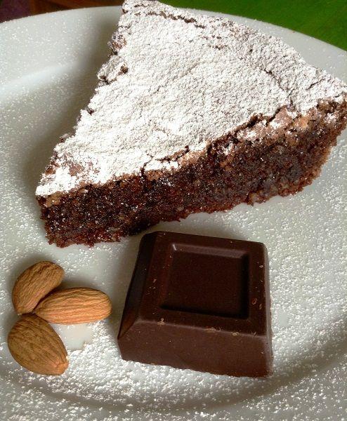 Torta al cioccolato senza farina ricetta celiaci