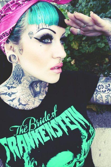 psychobilly yes the streak in her bangs