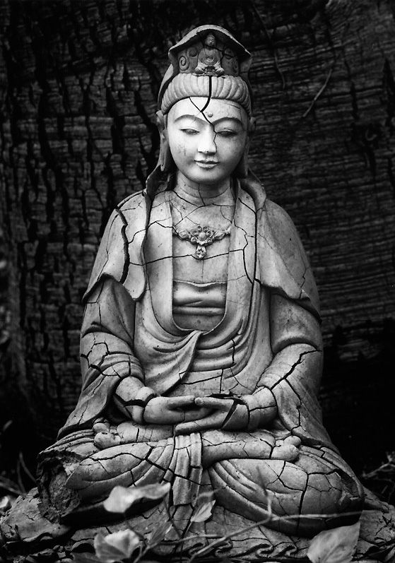 One of my favorite images of Kwan Yin.