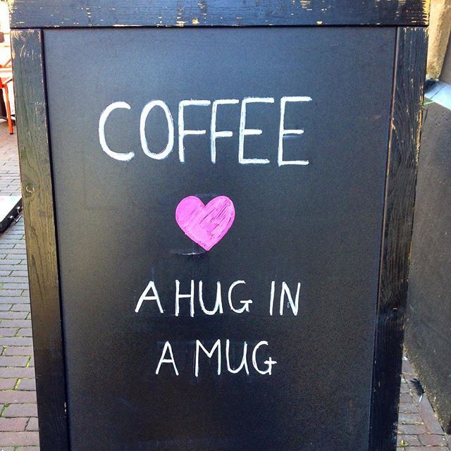 We wish you a great start into this Tuesday with lots of #hugs 💕 #weloveyoga