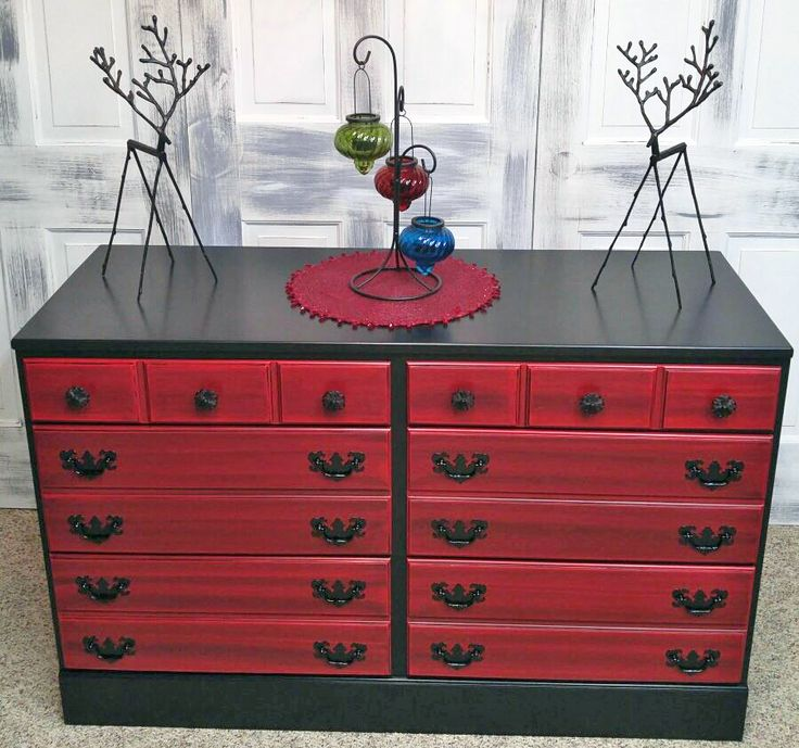 Nicole of Distress Reliever: Upcycled Furniture refinished this dresser with General Finishes Holiday Red and Lamp Black Milk Paint and Pitch Black Glaze Effects. Perfect for the holidays!