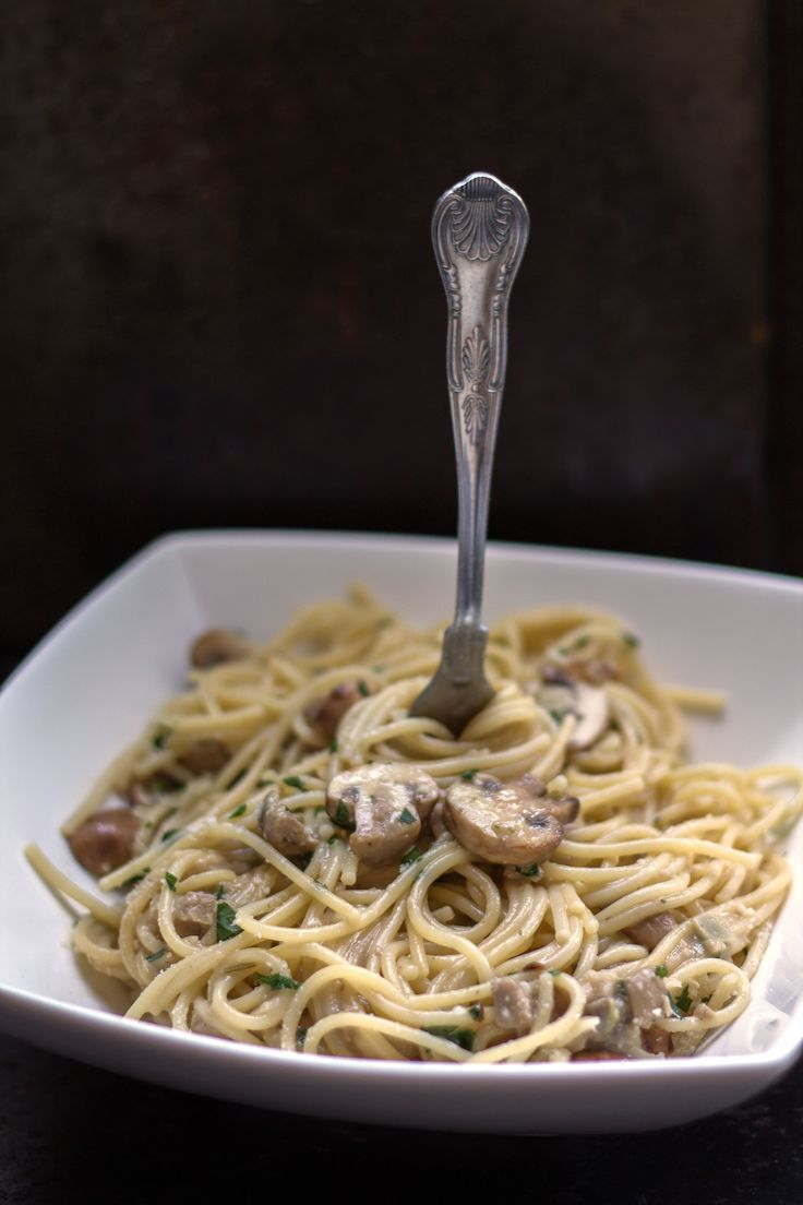 Creamy Spaghetti with Mushrooms - Erren's Kitchen - a fantastic, quick and easy week night dinner!