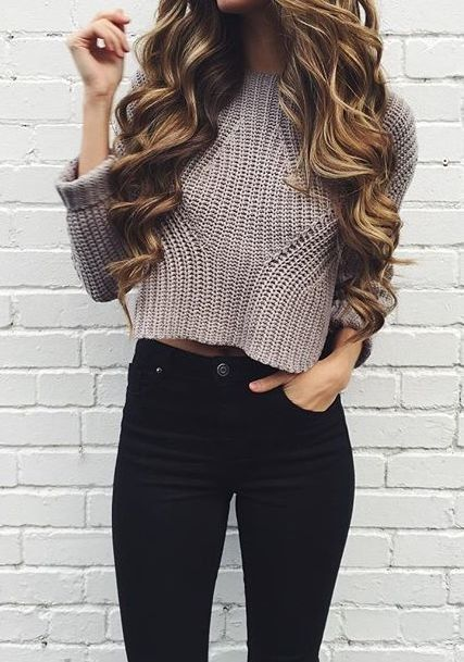 Casual Chic - black jeans, crop sweater & long wavy hair
