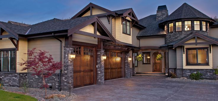 Home Exterior: Black Rundle, PRO-FIT® ALPINE LEDGESTONE - Cultured Stone® Brand_Manufactured Stone Veneer