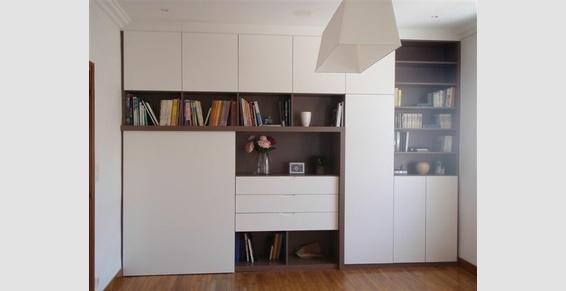 am nagement pan de mur avec bureau int gr derri re porte. Black Bedroom Furniture Sets. Home Design Ideas