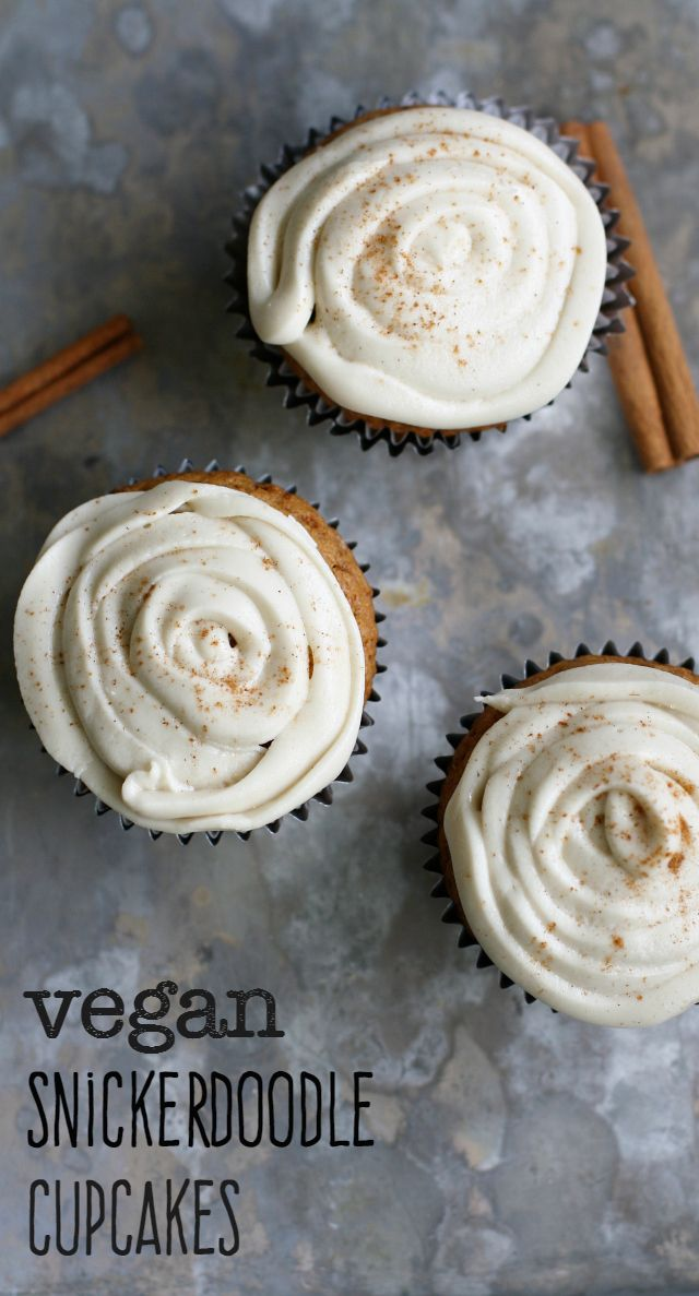 Delicious snickerdoodle cupcakes topped with creamy vanilla frosting. A cupcake you won't forget! #vegan