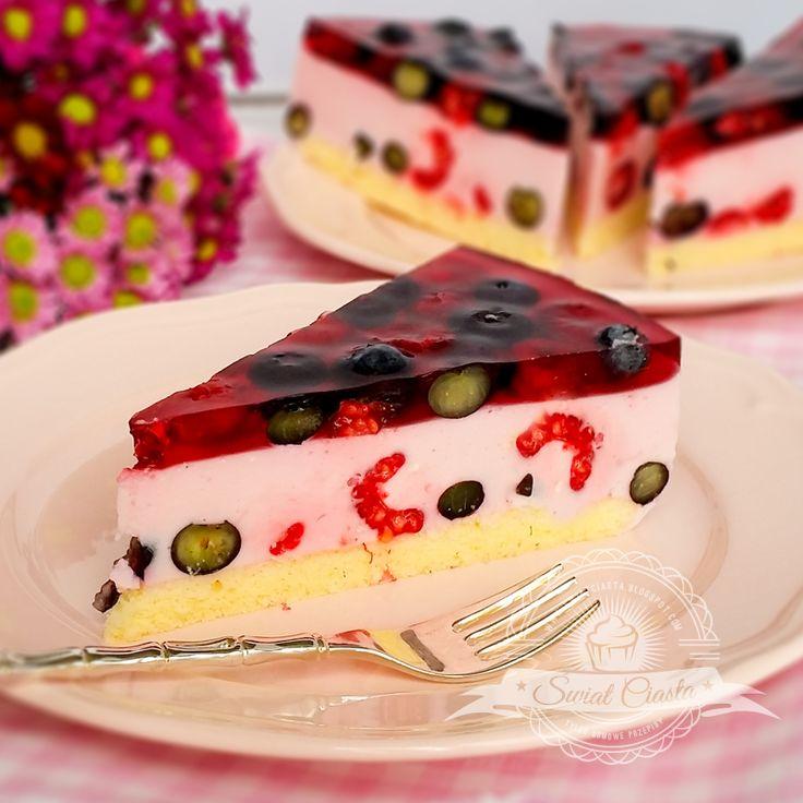 Lekki tort jagodowo-malinowy | Świat Ciasta